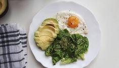 De ce consider că alimentația low-carb e cea mai potrivită pentru mine – Guest post Nutriblog.ro Mai, Chicken, Breakfast, Food, Morning Coffee, Meal, Essen, Hoods, Meals