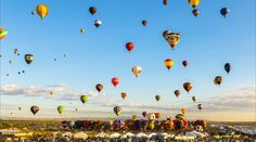 Stunning: Watch 500 hot air balloons fill the sky in 2 minutes http://www.outsidetelevision.com/video/time-lapse-albuquerque-balloon-fiesta