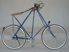 The Pedersen Bicycle patented by MIkael Pedersen in 1894: The Bentley of Bicycles. I think this is the most beautiful bicycle i have ever seen.
