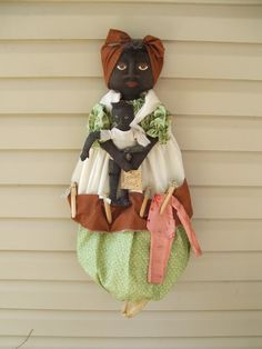 Mammy Bagholder Doll holding her baby with clothespins, made to order. email me at raggedyrhondas@yahoo.com
