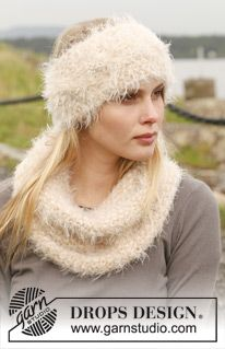 """DROPS Extra 0-954 - Knitted DROPS head band and neck warmer in moss st with cable in """"Symphony"""". - Free pattern by DROPS Design"""