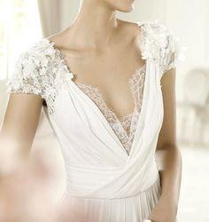 ellie saab 2013 bridal collection  White Dresses #2dayslook #WhiteDresses #anoukblokker #watsonlucy723  www.2dayslook.com