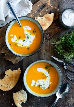 Carrot and ginger coconut soup - Suppe Low Carb Recipes, Soup Recipes, Dinner Recipes, Healthy Recipes, Coconut Soup, Carrot And Ginger, Eating Organic, Clean Eating Recipes, No Cook Meals