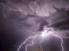 Natural Disasters -- Lightning Pictures, Wallpapers, Downloads -- National Geographic