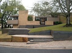 Modern landscape in Austin, Texas by D-CRAIN Design and Construction