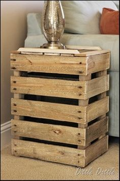 Love this end table!!! Made from pallets.