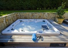 Suntek Pools & Spas Hot Tubs