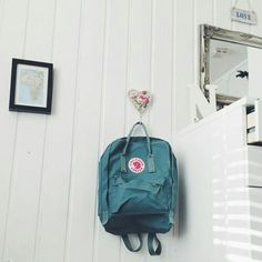 Ocean green kanken backpack elavated all this picture!