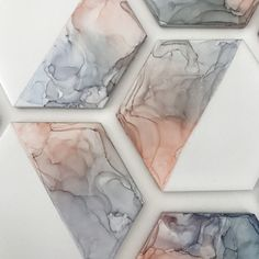 How To: Alcohol Ink Tile Coasters – Paintings by Agnes Hi everyone! Do you need a set of coasters at home but can't find ones you like? Or want to make a special homemade gift for a friend? Well, today let's learn how to make your own tile … Alcohol Ink Tiles, Alcohol Ink Crafts, Alcohol Ink Painting, Art Resin, Resin Crafts, Ceramic Tile Crafts, Ceramic Pottery, Ceramic Art, Diy Coasters