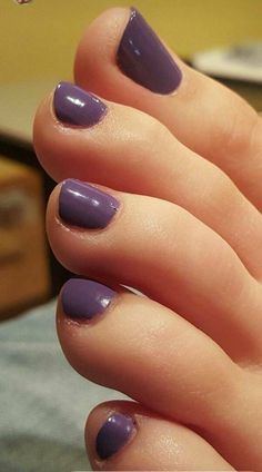 So lickable, wanna grab her ankles and smell these little beans Pretty Toe Nails, Sexy Nails, Sexy Toes, Pretty Toes, Purple Toes, Purple Toe Nails, Nice Toes, Toe Polish, Painted Toes