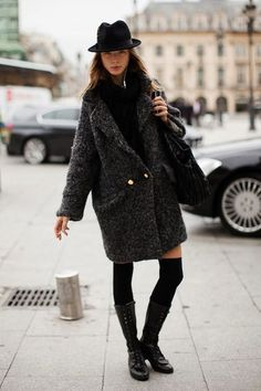 Over sized coats seems to be more and more popular this winter