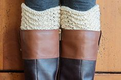 The Crested Boot Cuff pattern is a simple and easy boot cuff pattern worked in the round with a feather and fan stitch. Crochet Boot Cuff Pattern, Knitted Boot Cuffs, Crochet Boots, Knit Boots, Knit Or Crochet, Crochet Scarves, Knitted Hats, Knitting Stitches, Knitting Socks
