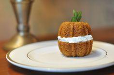 Pumpkin cakes - cute presentation