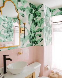 Beverly Hills Hotel inspired bathroom with vintage pink tiles and palm wallpaper. Pink Bathroom Tiles, Pink Tiles, Green Tiles, Green Bathrooms, Bathroom Mural, Hotel Bathrooms, Tuile, Budget Home Decorating, Decorating Ideas