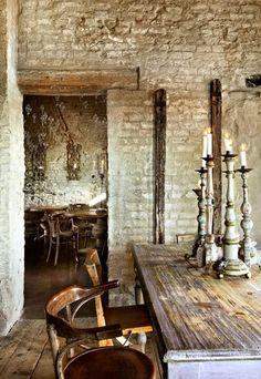 Rustic Italian Tuscan Style for Interior Decorations 22 Rustic Italian Decor, Italian Home Decor, Rustic Kitchen Decor, Modern Rustic, Rustic Stone, Rustic Table, Rustic Elegance, Rustic Charm, Tuscan Decorating