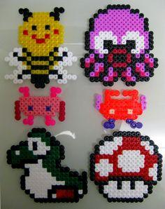 Las primeras creaciones que hemos realizado con #HamaBeads. Muy divertida y relajante ésta técnica. Ver más en: www.sirenasinmar.blogspot.com www.facebook.com/SugarherArts www.librecreacion.net