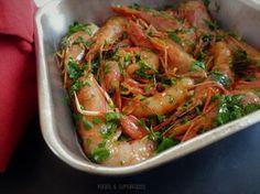 Από τις καλύτερες και ευκολότερες συνταγέςγια γαρίδες που δοκιμάσαμε. Greek Recipes, Japchae, Shrimp, Seafood, Food And Drink, Meat, Cooking, Ethnic Recipes