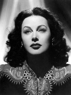 "During the height of her Hollywood career, Hedy Lamarr was considered ""the most beautiful woman in the world."" Her stunning looks landed her, and limited her, to Hollywood movie roles . Hollywood Glamour, Classic Hollywood, Old Hollywood, Hollywood Stars, Hollywood Actresses, Great Women, Amazing Women, Art Noir, Idda Van Munster"