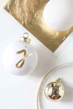 #DIY monogram ornament gift tag.