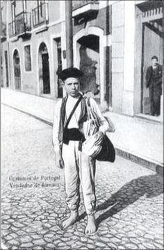 In VICENTE, António Balcão; SILVA, Carlos Guardado da - Profissões e costumes antigos através do bilhete postal ilustrado. Lisboa: Ecosoluções, 2000, p. 133.