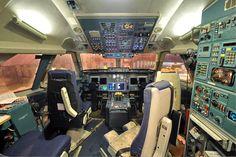 http://upload.wikimedia.org/wikipedia/commons/8/85/Aeroflot_Ilyushin_Il-96-300_cockpit_Petrov.jpg