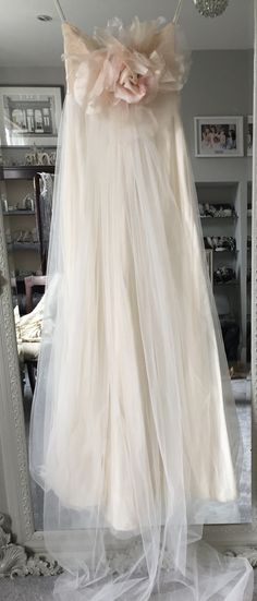 Claire Pettibone 'Larissa' £1195 #preloved #prelovedweddingdress #weddingdress #bridetobe #bride #weddingplanning #romantic #londonbride