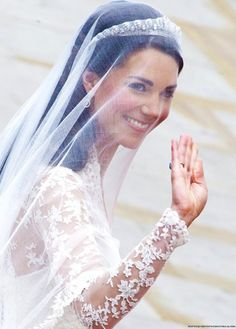 Kate Middleton, now HRH Catherine, The Duchess of Cambridge Looks Kate Middleton, Kate Middleton Wedding, Pippa Middleton, The Duchess, Duchess Of Cambridge, Royal Brides, Royal Weddings, William Kate Wedding, Principe William Y Kate