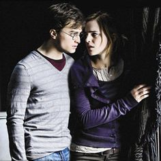 Harry and Hermione - harry-and-hermione Fan Art Harry James Potter, Harry Potter Pictures, Harry Potter Tumblr, Harry Potter Cast, Harry Potter Characters, Harry Potter World, Daniel Radcliffe, Harmony Harry Potter, Hery Potter