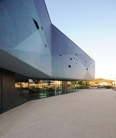 Art and Conference Centre, Inter-Generation Centre, and Tourist Office, Venarey-les-Laumes, 2015 - Dominique Coulon & associés