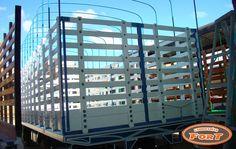 Si su negocio esta en acarrear grandes volúmenes, este cuerpo de plataforma de paredes cerradas va donde donde usted quiere llegar. http://www.carroceriasyfurgonesfort.com/