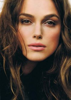I love this neutral make-up look on Keira Knightley, it's subtle and it's the 'no make-up look with make-up' for me. I love this neutral make-up look on Keira Knightley, it's subtle and it's the 'no make-up look with make-up' for me. Pretty People, Beautiful People, Beautiful Women, Beautiful Person, Beautiful Bride, Beauty Makeup, Hair Makeup, Hair Beauty, Dewy Makeup