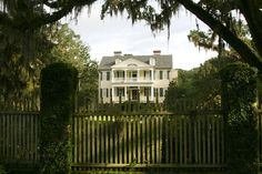 Seabrook Plantation  Charleston County, SC    (Remind anyone of the Notebook? Oh it's so beautiful! The land and everything! If only California had places like this)