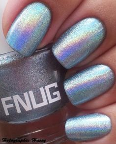 Fnug Futuristica:  a cool pale blue linear holographic polish