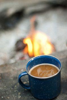 Al calor de la fogata y de un delicioso café.