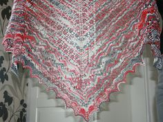 Swallowtail Shawl by Evelyn A. Clark - piękny ażurowy szal.