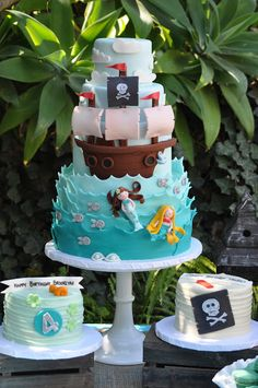blue cupcake: A Pirate and Mermaid Party