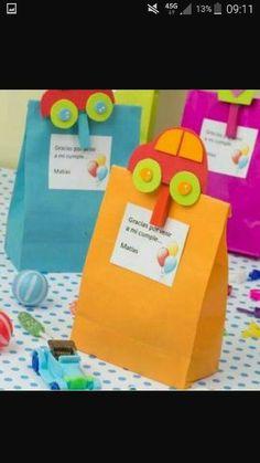 Kids party - presents Baby Boy Birthday, 2nd Birthday, Auto Party, Transportation Birthday, Cars Birthday Parties, Baby Party, First Birthdays, Party Time, Crafts For Kids