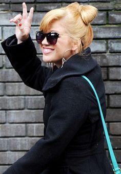 hhh  Kelly Clarkson click image