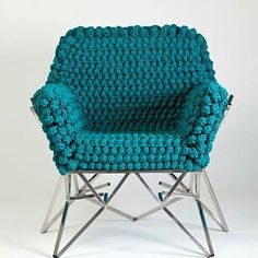 Que coisa lindaaaaaaaaaa . #crochet #croche #handmade  #fiodemalha #feitocomamor #feitoamao #trapilho #totora #knit #knitting #cadeiradecroche #cadeira #decor #design Imagem da internet