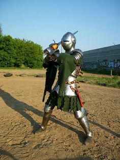 Finest early XV century armour I've ever seen.