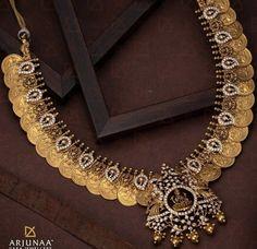 Jewelry Design Earrings, Gold Jewellery, Beaded Jewelry, Latest Jewellery, Necklace Designs, Jewelery, Indian Bridal Jewelry Sets, Gold Jewelry Simple, Fabric Jewelry