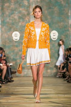 A look from Tory Burch's spring/summer 2016 show at New York Fashion Week. (Photo: Gio Staiano/Nowfashion)