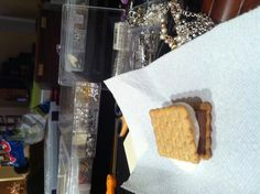 S'more I Foods, Cookies, Desserts, Biscuits, Deserts, Dessert, Cookie Recipes, Postres, Cookie