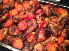Provençaalse schotel met kip, winterpeen, tomaten en aardappel. Kan volledig in de oven bereid worden.