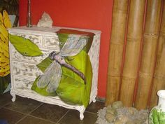 Argina-Seixas-paints-furniture-8.jpg (600×450)