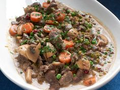 En deilig og smaksrik høstrett med sesongens viltkjøtt. Pot Roast, Ethnic Recipes, Food, Carne Asada, Roast Beef, Essen, Meals, Yemek, Eten