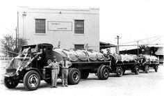 Antique Trucks, Vintage Trucks, Mack Trucks, Old Trucks, Oil Service, Road Train, Filling Station, Texaco, Gas Station