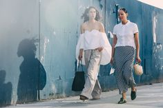Street Looks at New York Fashion Week Spring/Summer 2016 Cool Street Fashion, All Fashion, New York Fashion, Womens Fashion, French Fashion, Fashion Week 2016, 2015 Trends, Spring Summer Trends, Street Style Looks