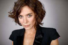 Anna Friel (I like her hair in this picture)