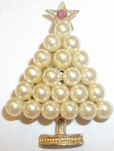 vintage gold tone faux pearl christmas tree pin costume jewelry holiday - The Christmas Pearl